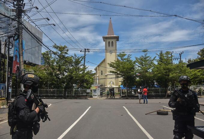 Atentado a catedral en Indonesia