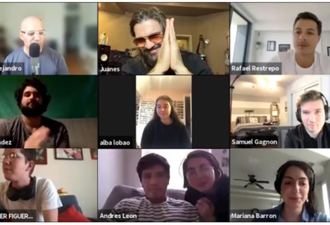 Juanes con estudiantes de la Universidad de Berklee