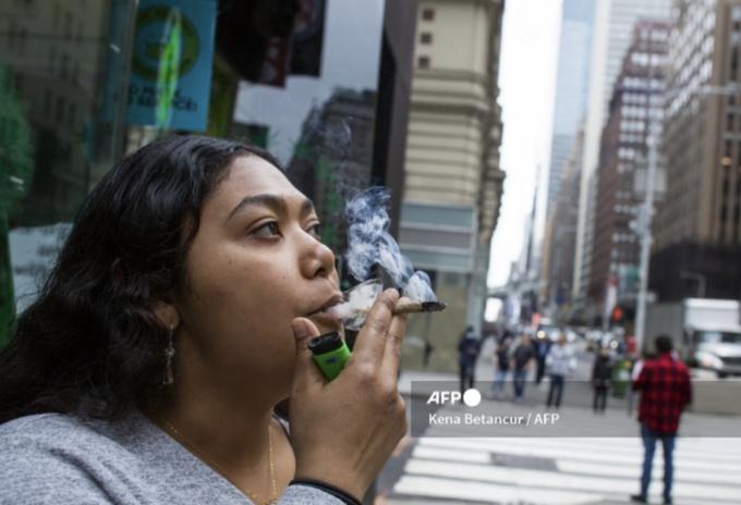 Nueva York legaliza el uso recreativo de la marihuana