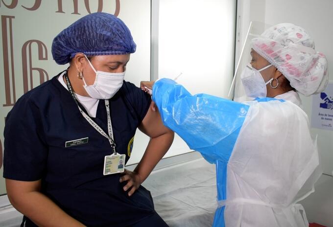 Primera patrullera vacunada en Cartagena