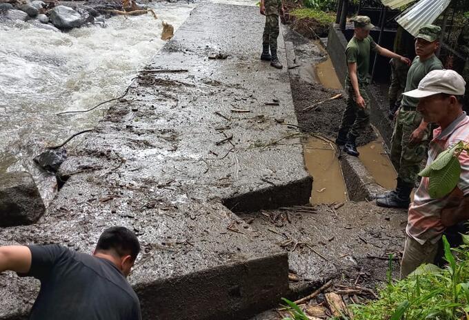 Trabajos bocatoma Pueblo Rico (Risaralda)