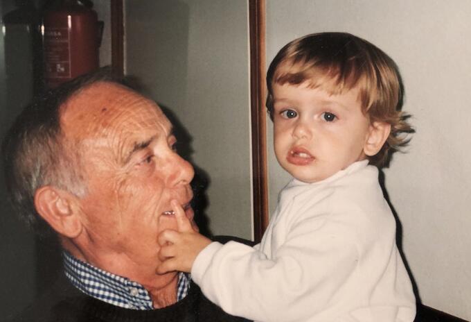 Julián Arrufat y su abuelo