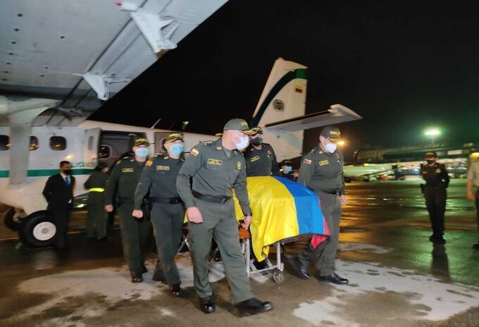 Así fue recibido el patrullero Edwin Caro en Antioquia.