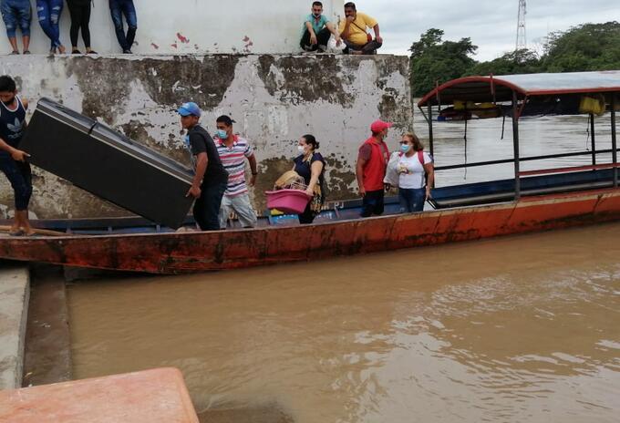 Así se realizan las mudanzas entre Venezuela y Colombia por la frontera con Arauca