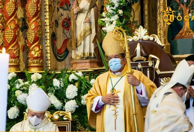 Nuncio apostólico y obispo