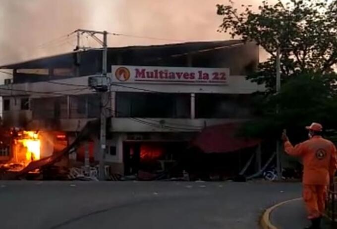 Se registró explosión e incendio en un asadero de Purificación