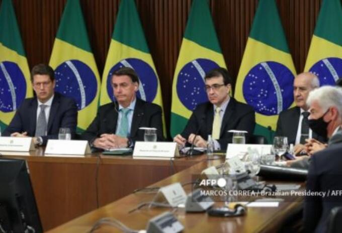 Presidente de Brasil Jair Bolsonaro en cumbre del clima