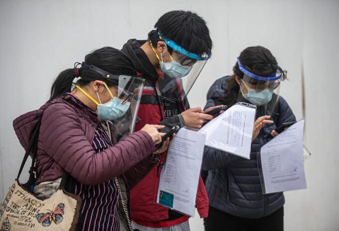 Máscara facial es obligatoria en Perú para hacer compras y en el transporte