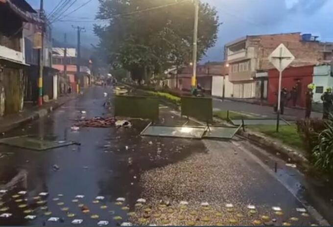 Desórdenes en la Calle 37 de Ibagué.