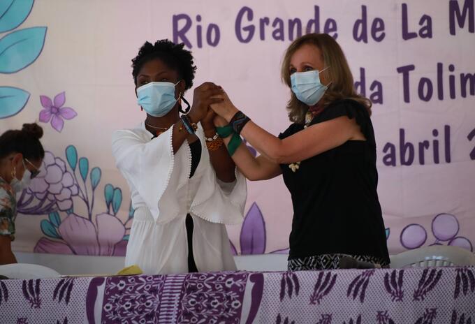 Francia Márquez y Ángela María Robledo
