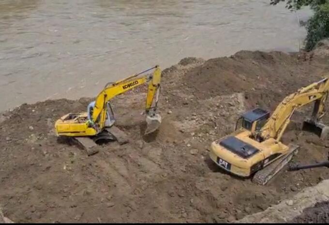 Avanzan las obras que permita instalar la motobomba para succionar el agua