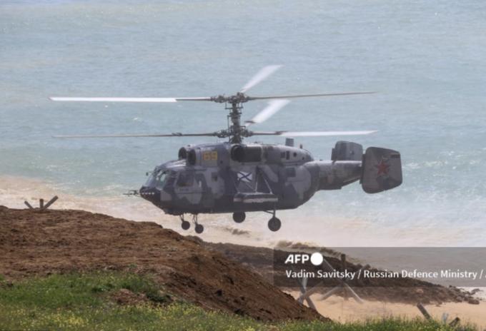 Rusia retira sus tropas de la frontera con Ucrania