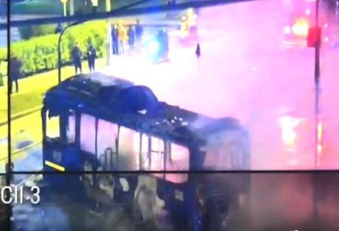 Bus del Sitp incinerado en marchas del 1 de mayo