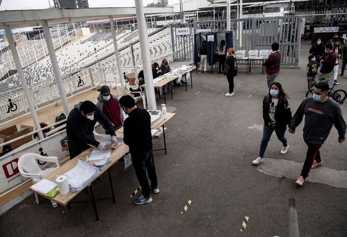 Elecciones para cambiar la Constitución. Foto: AFP.