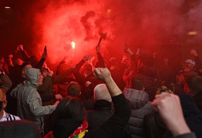 Hinchas Manchester United invaden Old Trafford