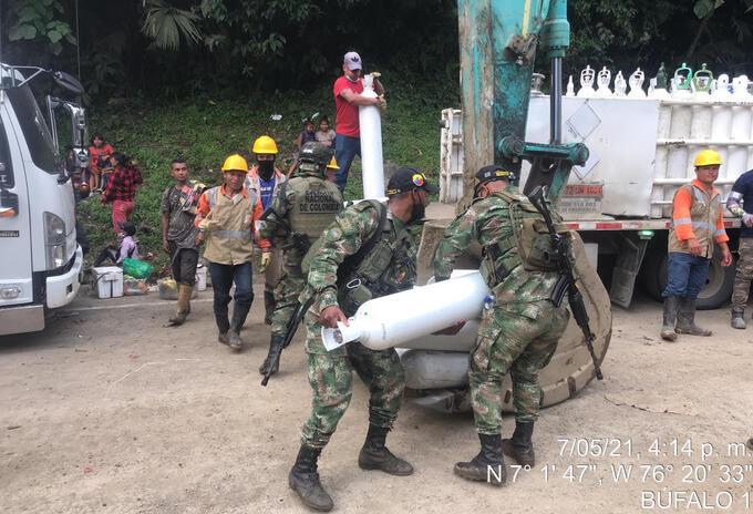 El traslado del oxígeno medicinal es trasladado con el apoyo del Ejército en el Urabá.