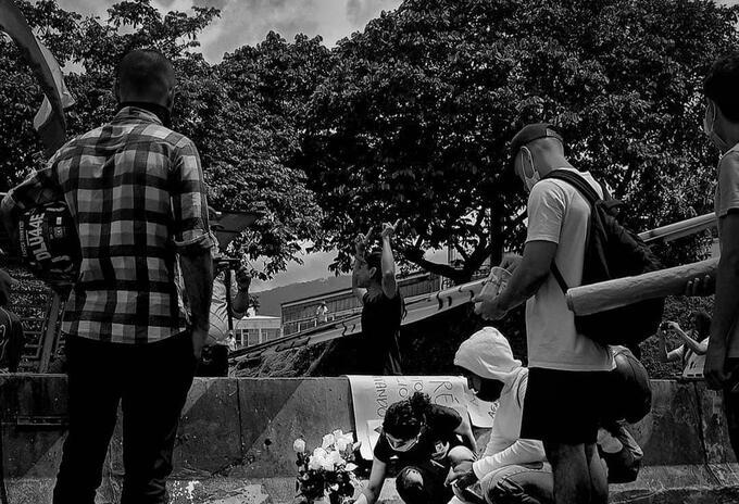 Homenaje en el Viaducto de Pereira