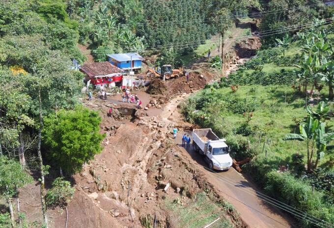 Desbordamiento de la quebrada La Silbadora en Dosquebradas, Risaralda