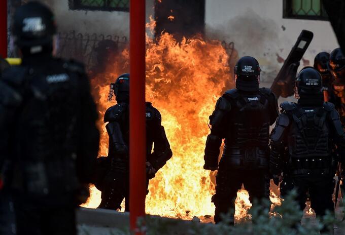 HRW documentó 34 muertes en medio de las protestas en Colombia | RCN Radio