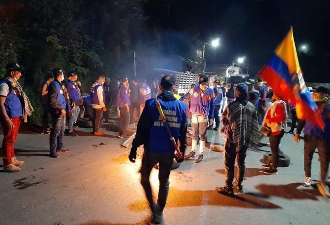 Campesinos bloquean la vía Cúcuta Bogotá