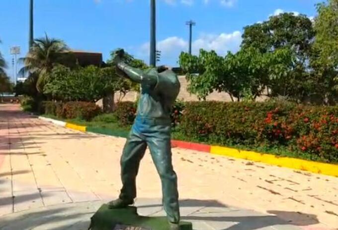 Deterioro que presentan las estatuas y monumentos en Cartagena