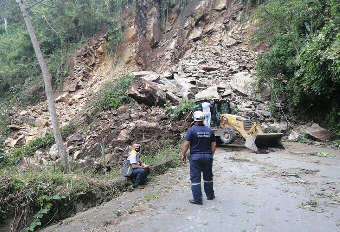 El derrumbe tiene incomunicado a Manizales con el oriente de Caldas.