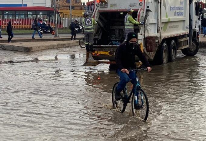 Inundación en el barrio Quintanares en Soacha, Cundinamarca.