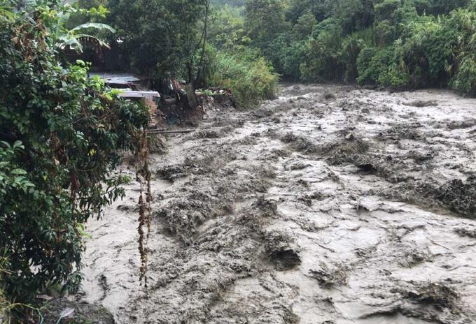 Emergencia invernal en Colombia: Familias evacuaron en Ibagué | RCN Radio