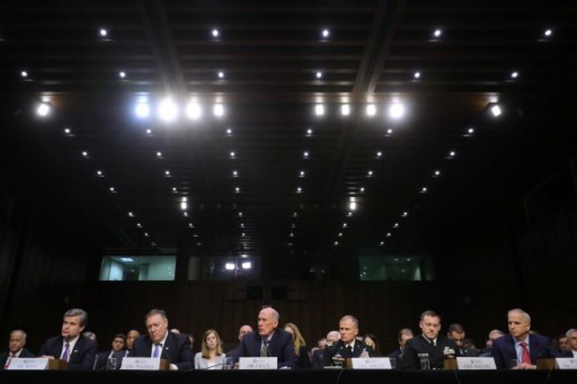 Director Nacional de Inteligencia, Daniel Coats, y los jefes de la CIA, el FBI, la NSA y otras dos agencias de espionaje
