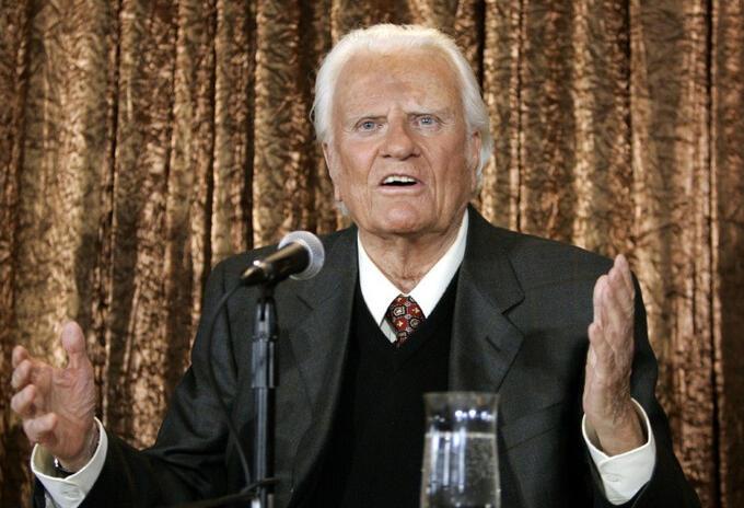 Pastor evangélico estadounidense Billy Graham muere a los 99 años