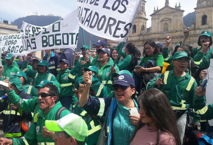 Protesta de funcionarios de Aguas de Bogotá