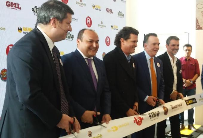 Carlos Vives inauguró Gaira en el Aeropuerto El Dorado