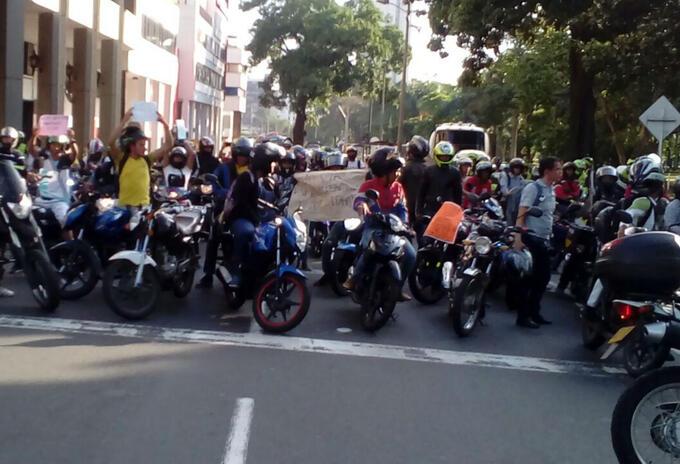 Motociclistas protestan en Cali