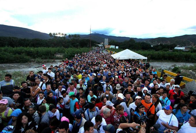 Paso de venezolanos a Colombia
